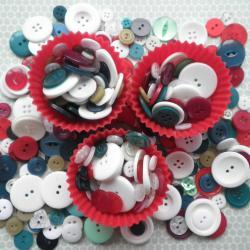 50g Christmas Tree Buttons