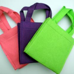 1x Purple Felt Handbag