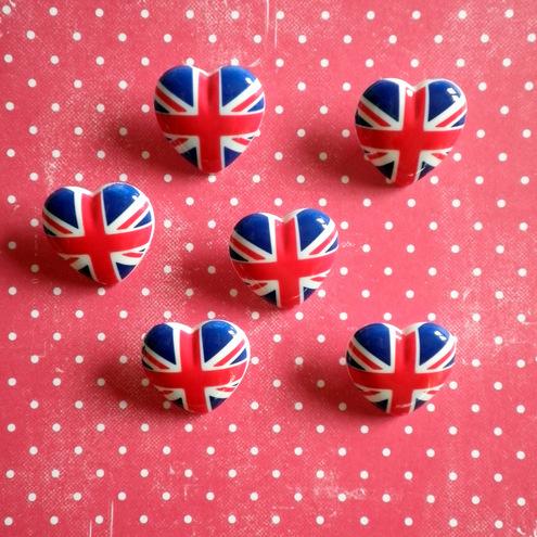 6x Union Jack Love Heart Buttons